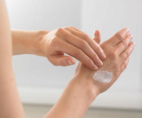 Thử kem trị lồi lên da tay