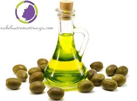 Trị sẹo sau mụn bằng dầu oliu