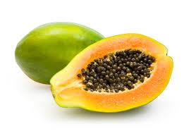 Đu đủ là một loại thực phẩm dùng để trị vết thâm rất tốt, không chỉ đu đủ xanh mà cả đu đủ chín cũng vậy